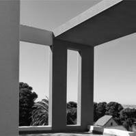 Détails sur les terrasses avec poutre en béton ajourée. Jeux de couleur.<br />