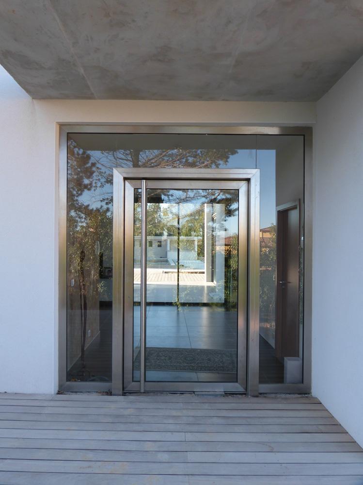 Atelier d 39 architecture ban gas villas villa 358 for Porte d entree contemporaine