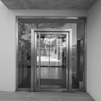 Porte d'entrée contemporaine.</p>