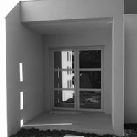 Porte d'entrée côté extérieur.<br />