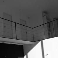 Coursive étage sur vide sur séjour.<br />