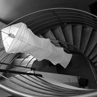 Trémie de l&rsquo;escalier hélicoïdal métal et bois.Vide sur rez de chaussée.<br />