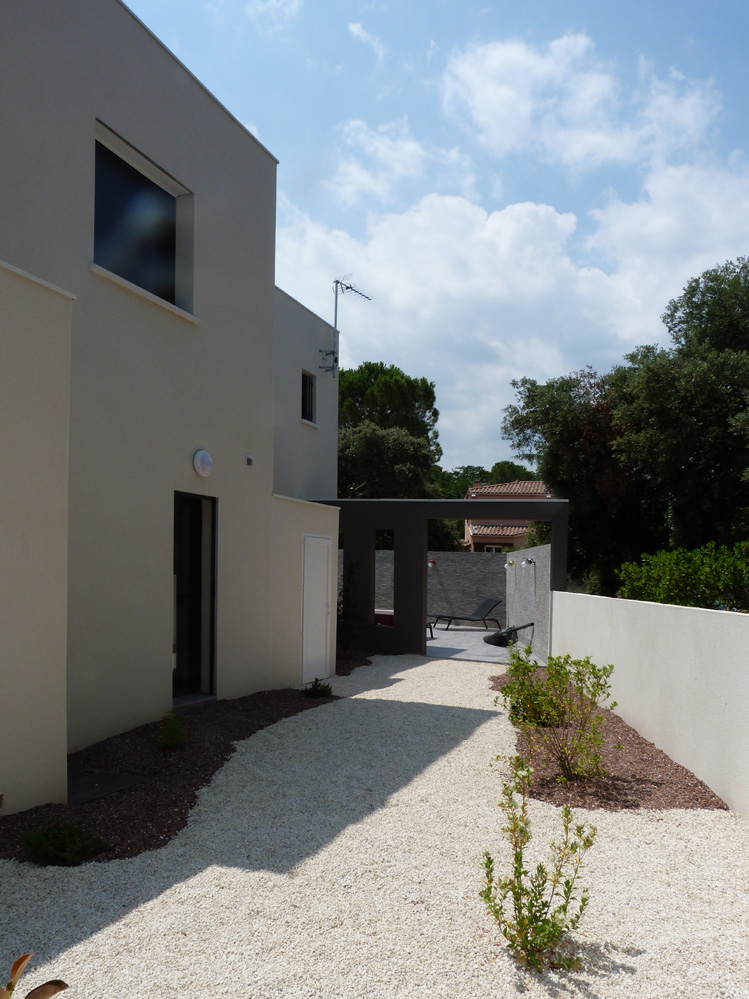 Atelier d 39 architecture ban gas villas villa 450 for Amenagement jardin nouvelle construction