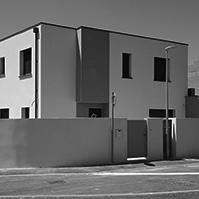 Autre vue de cette même villa, façade d&rsquo;entrée<br />