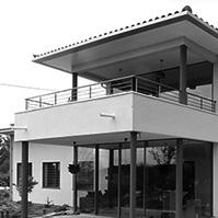 Autre vue des deux terrasses avec leur baies vitrées<br />